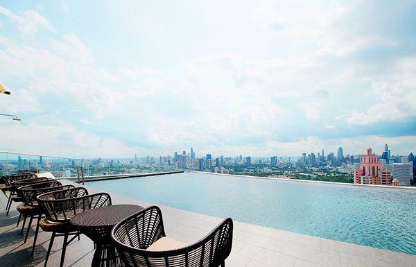 The-Lumpini-24-Bangkok-condo-for-sale-sky-swimming-pool-2-600x385