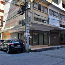 Commercial building soi pridi banomyong 40 04