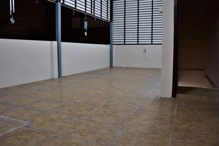 Commercial building soi pridi banomyong 40 12