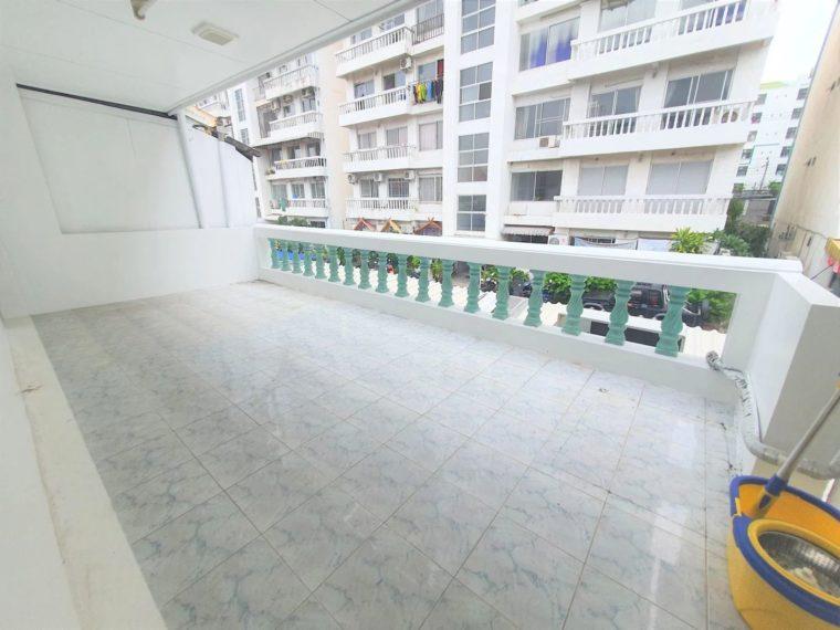 Modern loft office in ramkhamhaeng 05